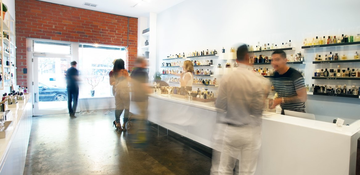 Scent Bar Hollywood Inside Reverse